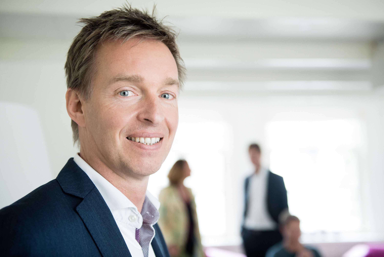 zakelijk portret consultant Charles van der Ploeg